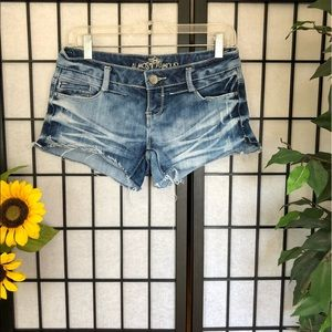 🌼 ALMOST FAMOUS DENIM SHORTS 🌼